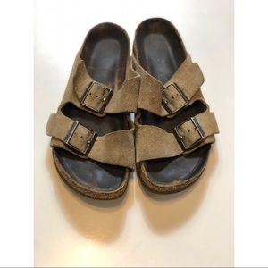 Womens Birkenstock Sandals Size 7-7.5